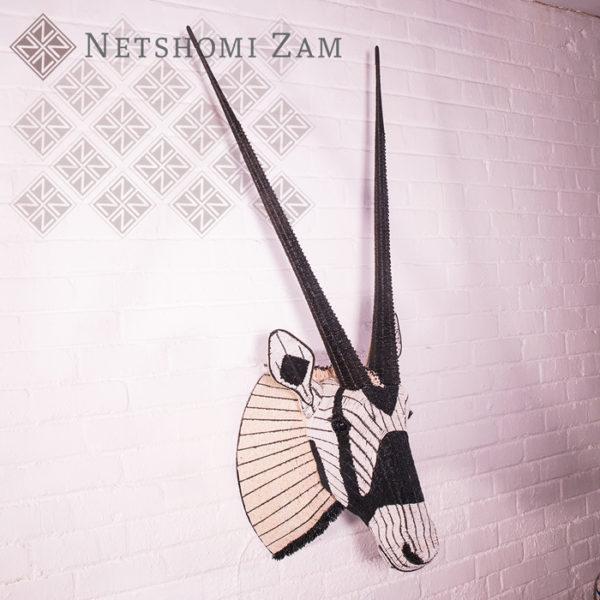 Netshomi Zam African Beadwork - Beaded Oryx Animal Head