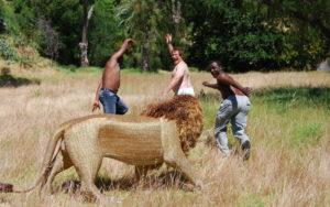 Netshomi Zam African Beadwork - Gallery Image Fun