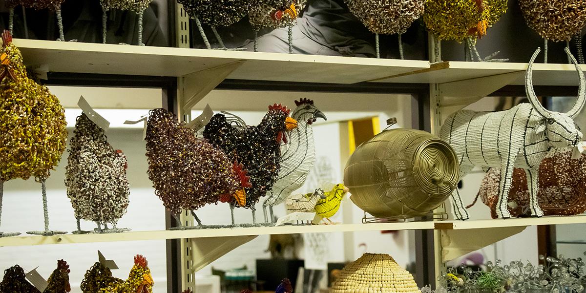 Netshomi Zam African Beadwork - Beaded Art